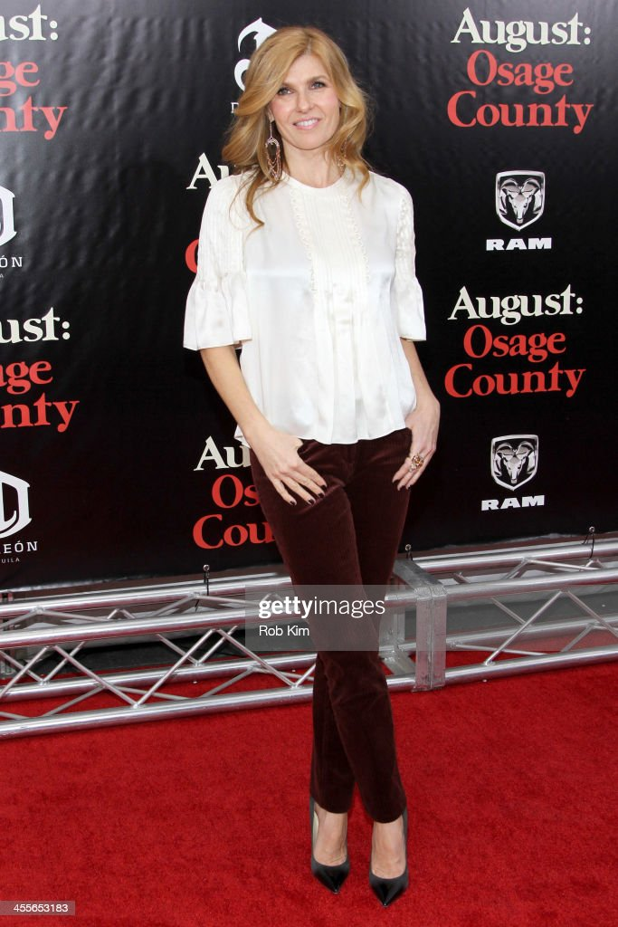 <a gi-track='captionPersonalityLinkClicked' href=/galleries/search?phrase=Connie+Britton&family=editorial&specificpeople=234699 ng-click='$event.stopPropagation()'>Connie Britton</a> attends the premiere of