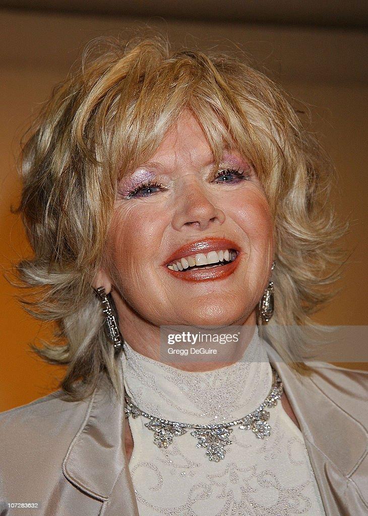 "Dream Foundation Hosts Star-Studded Extravaganza Fundraiser ""Le Cabaret des"