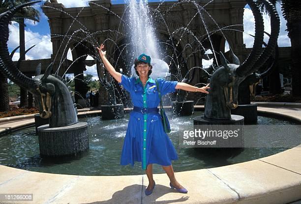 Conny Glogger PRO 7 Serie 'Glueckliche Reise ' Folge 18 'Sun City' 'The Lost City'/SüdAfrika Südafrika Episode 1 'Zwei VIP's aus Dresden' vor dem...