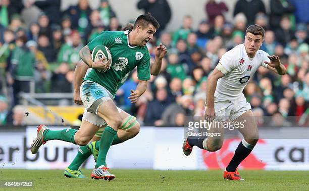 Conor Murray of Ireland breaks with the ball during the RBS Six Nations match between Ireland and England at the Aviva Stadium on March 1 2015 in...