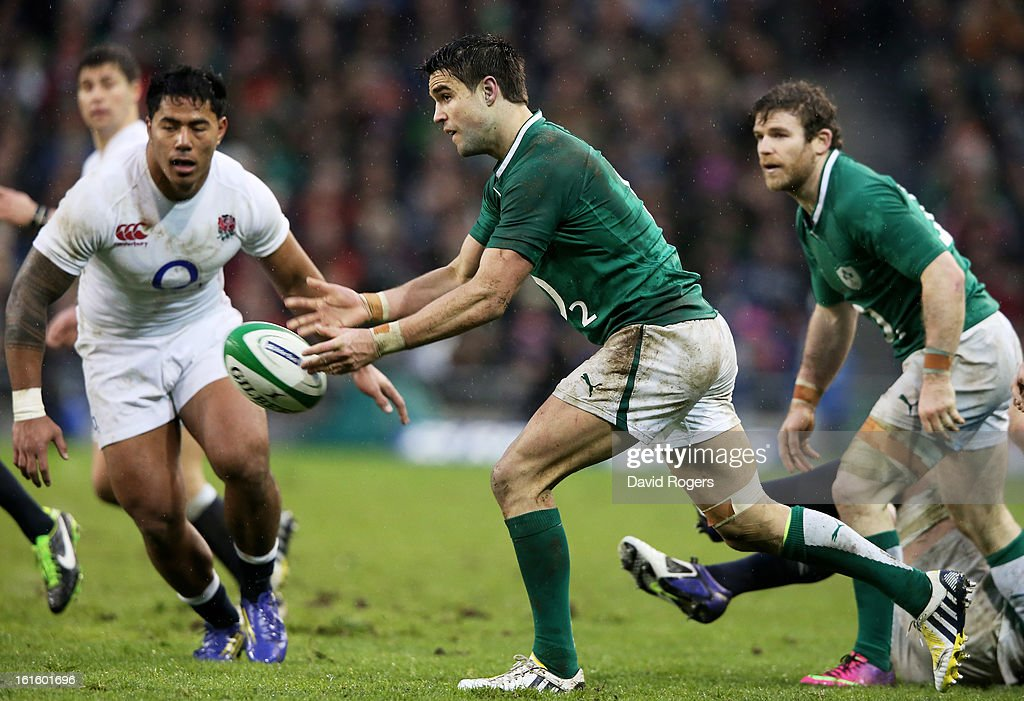 Conor Murray of Ireland passes the ball during the RBS Six Nations match between Ireland and England at Aviva Stadium on February 10, 2013 in Dublin, Ireland.