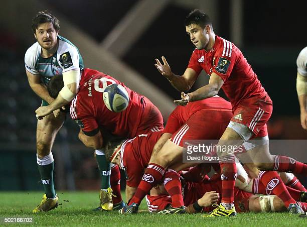 Conor Murray of Munster passes the ball during the European Rugby Champions Cup match between Leicester Tigers and Munster at Welford Road on...