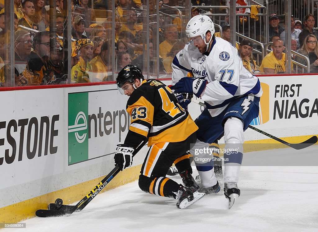 Conor Sheary #43 of the Pittsburgh Penguins battles for the loose puck against <a gi-track='captionPersonalityLinkClicked' href=/galleries/search?phrase=Victor+Hedman&family=editorial&specificpeople=4784238 ng-click='$event.stopPropagation()'>Victor Hedman</a> #77 of the Tampa Bay Lightning in Game Seven of the Eastern Conference Final during the 2016 NHL Stanley Cup Playoffs at Consol Energy Center on May 26, 2016 in Pittsburgh, Pennsylvania.