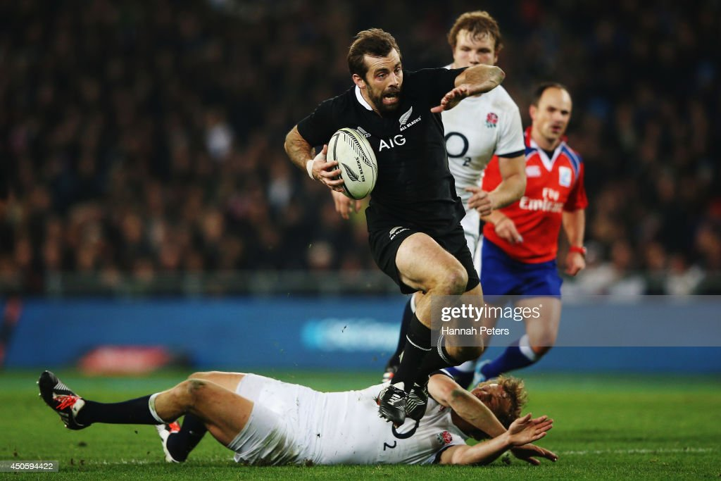 Conrad Smith of the All Blacks makes a break during the International Test Match between the New Zealand All Blacks and England at Forsyth Barr Stadium on June 14, 2014 in Dunedin, New Zealand.