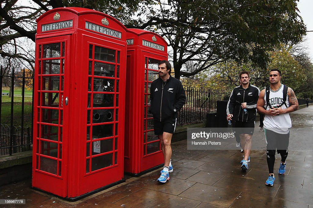 Conrad Smith, Richie McCaw and Liam Messam of the All Blacks return from a recovery session at the Imperial College on November 26, 2012 in London, England.