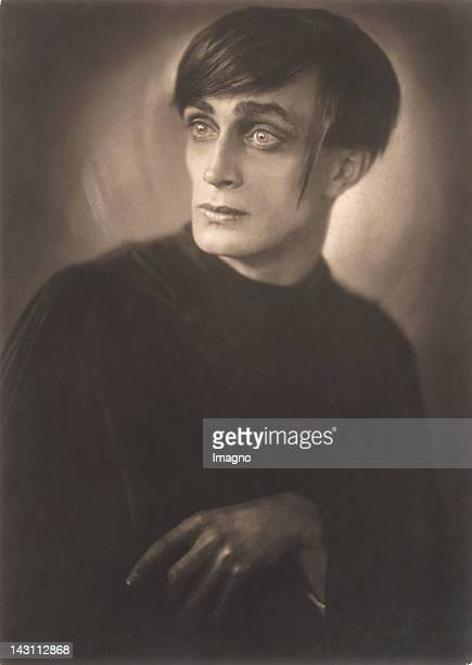 Conrad veidt stock photos and pictures getty images - The cabinet of dr caligari cesare ...