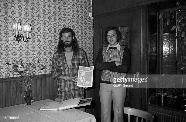 Conscientious Objectors En France à Berthelming en Moselle le 21 avril 1976 reportage sur deux objecteurs de conscience Serge éducateur et Jerry...