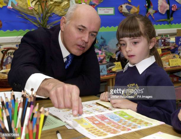 Conservative Leader Iain Duncan Smith meets pupils at Kings Park Primary School in Bournemouth with Education spokesman Damian Green who will address...
