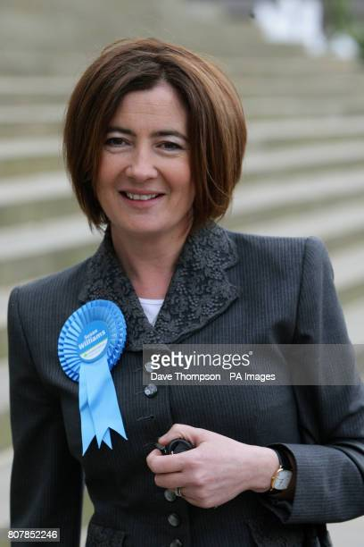 Conservative party candidate for Bolton West Susan Williams joins Conservative Party supporters on the steps of Bolton Town Hall as Shadow Foreign...