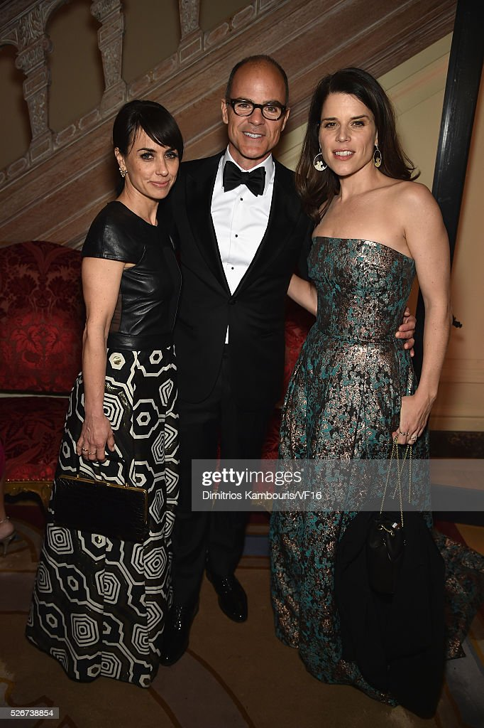 Constance Zimmer, Michael Kelly and Neve Campbell attend the Bloomberg & Vanity Fair cocktail reception following the 2015 WHCA Dinner at the residence of the French Ambassador on April 30, 2016 in Washington, DC.