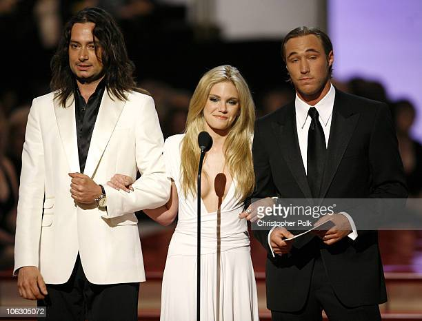 Constantine Maroulis Mackenzie Mauzy and Kyle Lowder of 'The Bold and the Beautiful' present Outstanding Supporting Actress in a Drama Series award