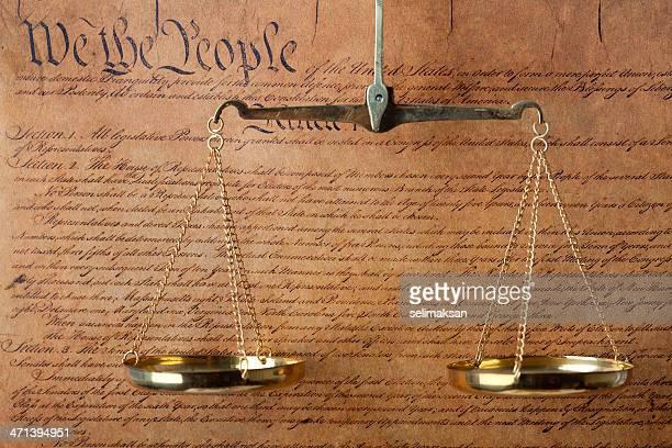 米国憲法文書とスケールの正義