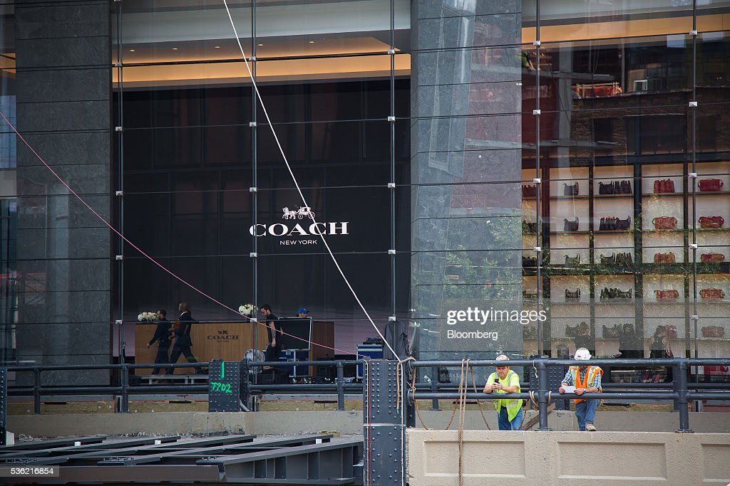 Construction continues at 10 Hudson Yards, home to Coach Inc.'s new offices, in New York, U.S., on Tuesday, May 31, 2016. The first skyscraper at Related Cos.'s $25 billion Hudson Yards project opened Tuesday after three and a half years of construction, bringing office workers to a once-desolate area of Manhattan's far west side that's now transforming into a new business enclave. Photographer: Michael Nagle/Bloomberg via Getty Images