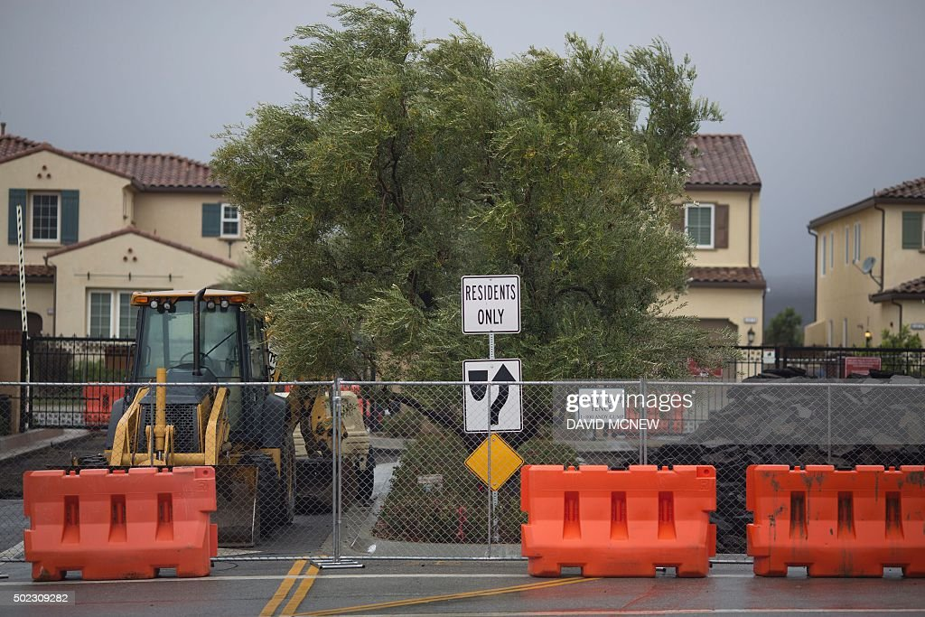 Construction continues on one of many local gated communities as people continue to be affected by a massive naturalgas leak in the Porter Ranch...