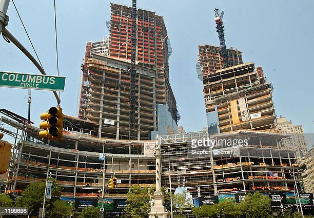 Construction continues on the 21 millionsquare foot AOL Time Warner Center August 2 at New York's Columbus Circle The US Security and Exchange...