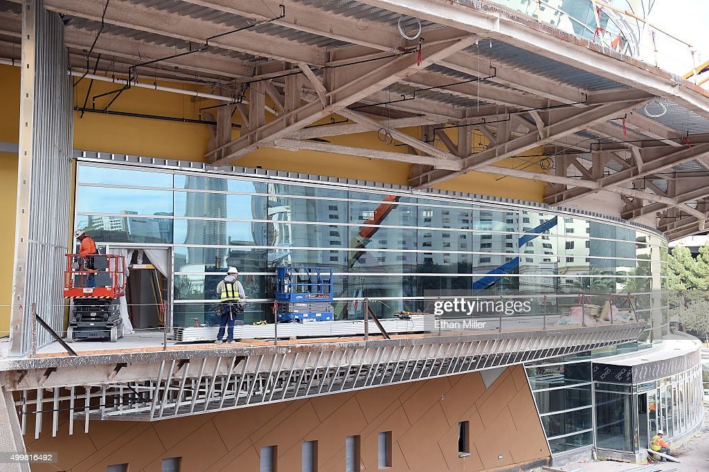 http://media.gettyimages.com/photos/construction-continues-on-the-las-vegas-arena-on-december-3-2015-in-picture-id499816492