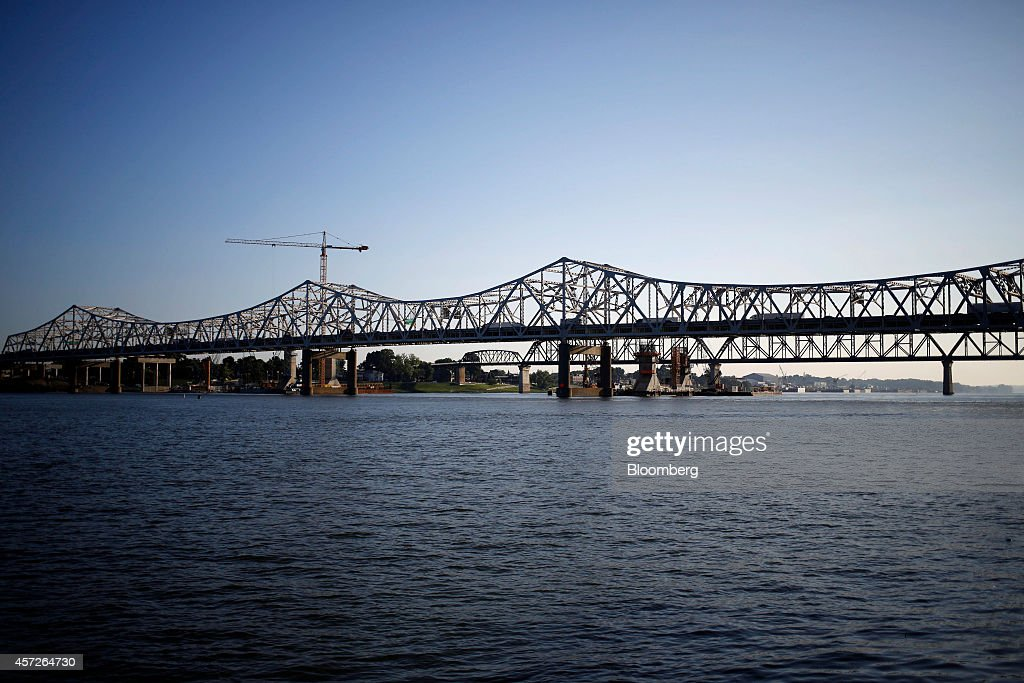Construction crews work to erect a new highway bridge to carry I65 traffic across the Ohio River to southern Indiana as a part of the Ohio River...