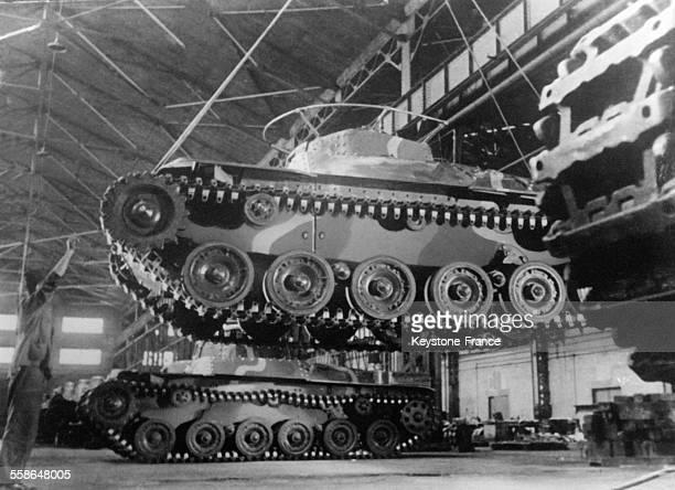 Construction de tanks en série circa 1940 au Japon