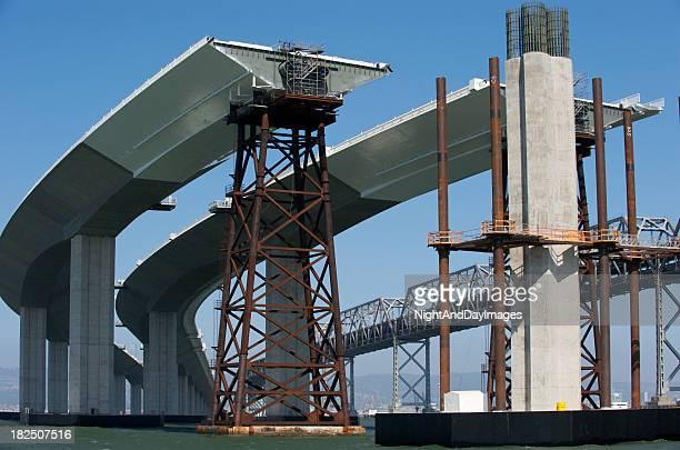 新しいベイブリッジ建設の