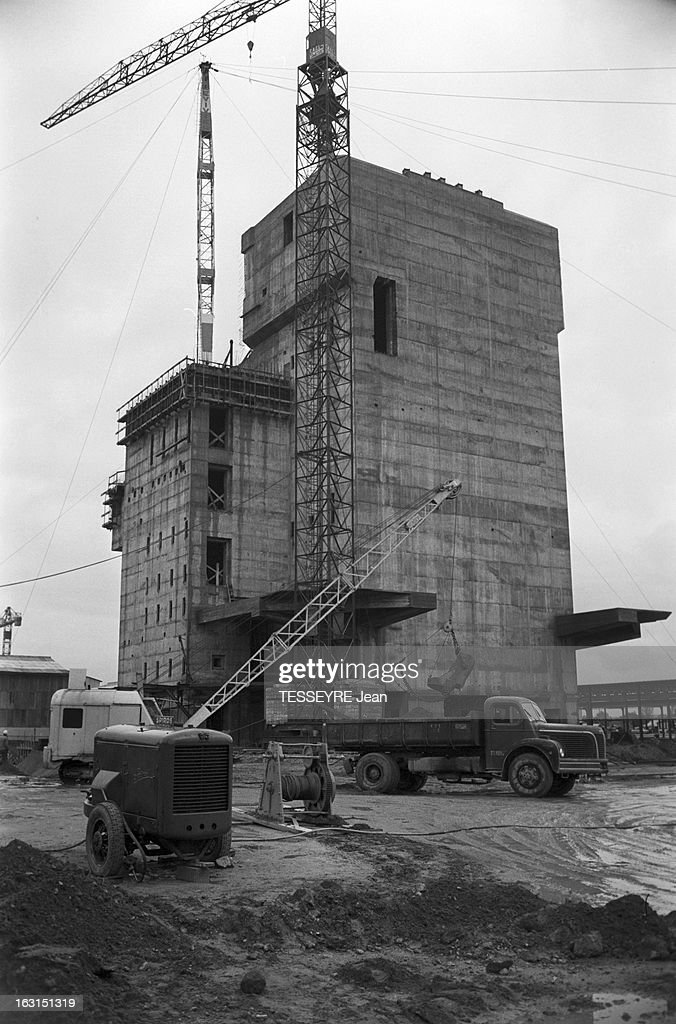 Construction Of The Nuclear Power Plant Of Chinon 15 octobre 1958 construction de la centrale nucléaire de Chinon Le chantier du bâtiment du réacteur