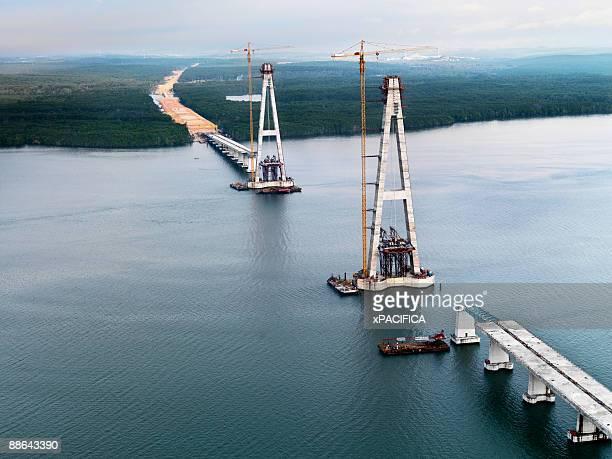 Construction of the Sungai Johor Bridge