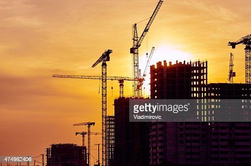 Chantier de Construction Grue au coucher du soleil Grue