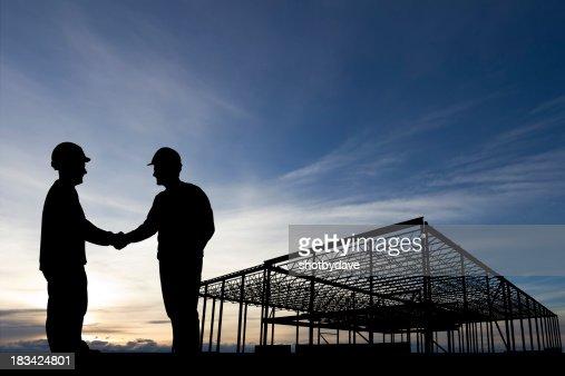 建設現場握手