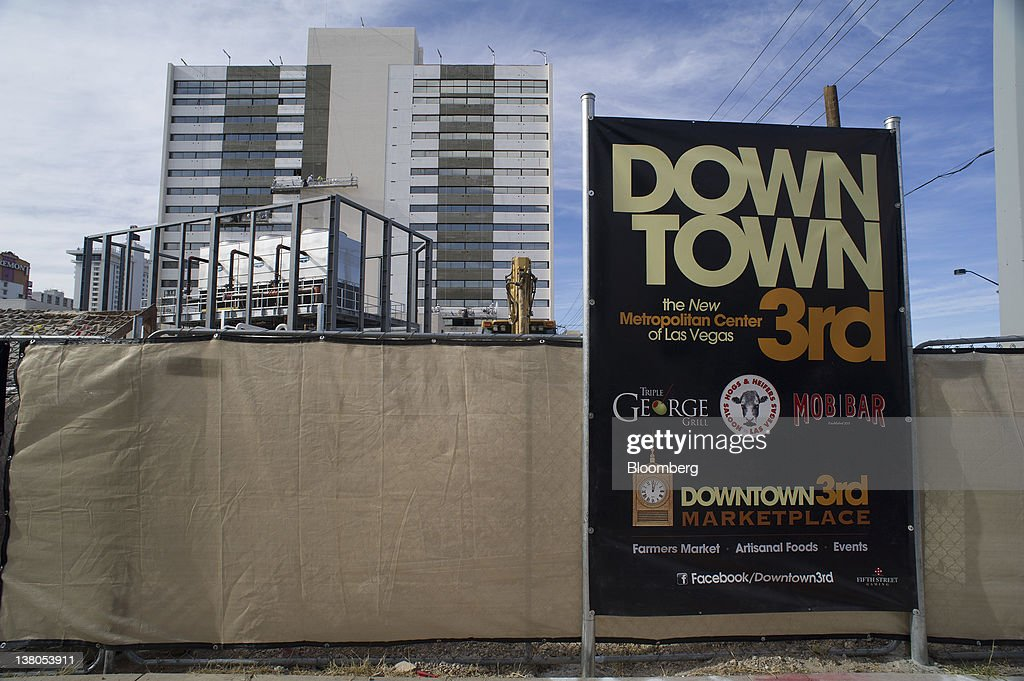 A construction site stands in downtown Las Vegas, Nevada, U.S., on Friday, Jan. 27, 2012. The Nevada Republican presidential caucus will be held on Feb. 4. Photographer: David Paul Morris/Bloomberg via Getty Images