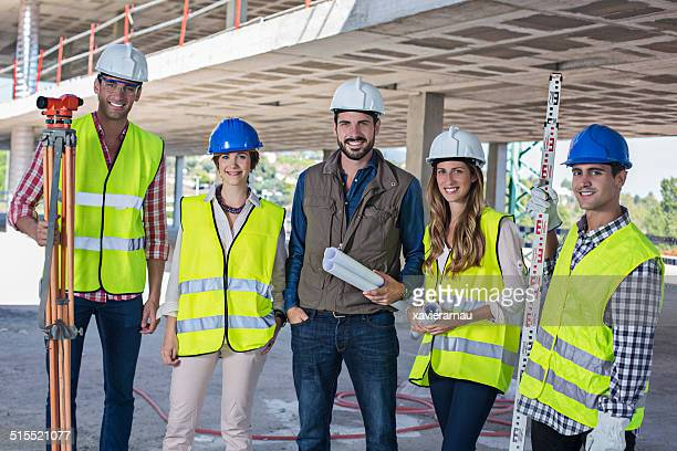 Bau-team auf dem Hotelgelände