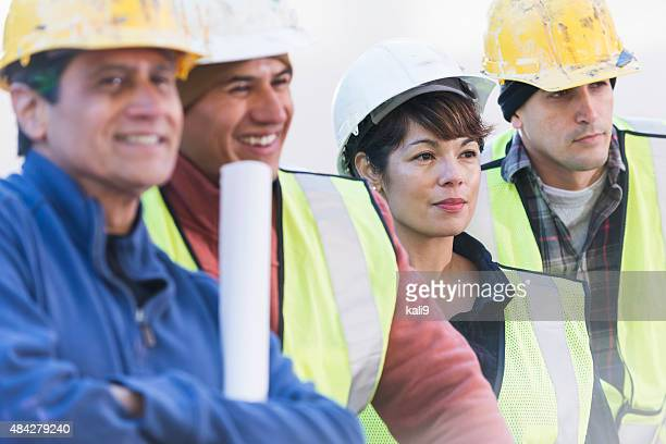 Bauarbeiten crew mit weiblichen Arbeiter