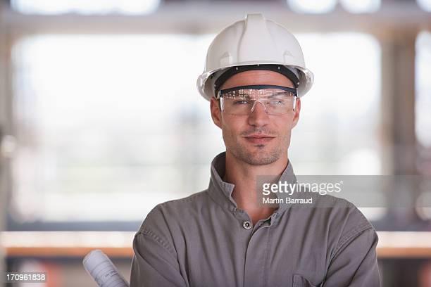 Trabajador de construcción en sitio de construcción