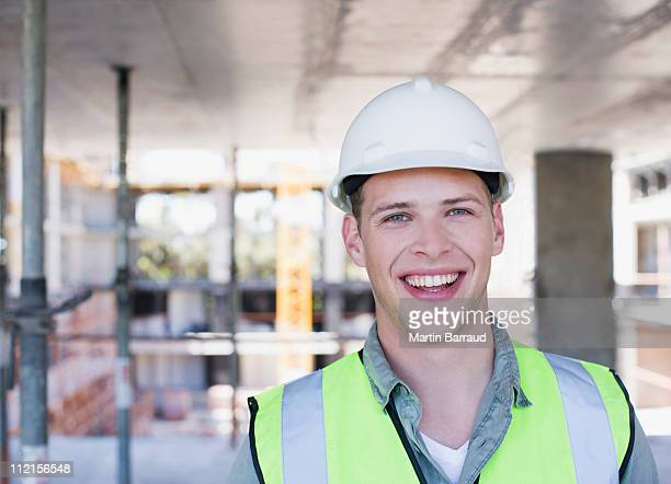 Bauarbeiter Lächeln auf Baustelle