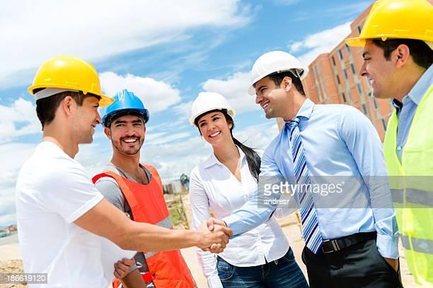Bau Arbeiter handshaking