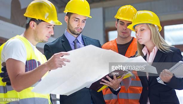 Travailleurs de la Construction.