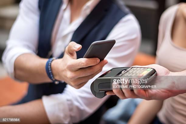 Paiement sans contact avec téléphone mobile
