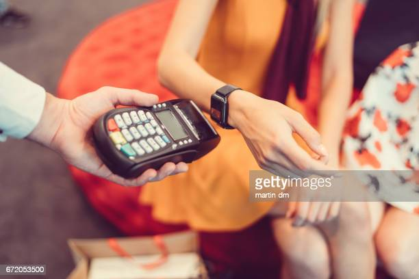Contactless payment with smartwatch