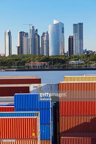 Container Hafen in Buenos Aires, Argentinien, in der Nähe von Puerto Madero