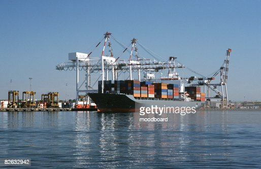 Container ship in dock, Melbourne, Australia : Stock Photo