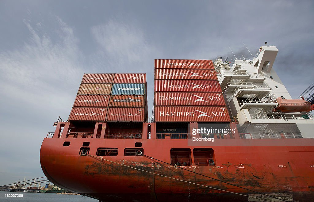 A containers ship sits docked before being unloaded at the Port of Veracruz in Veracruz, Mexico, on Thursday, Sept. 26 2013. Mexico reported a preliminary trade deficit of $234.2 Million for August, according to the national statistics agency, known as Inegi. Photographer: Susana Gonzalez/Bloomberg via Getty Images