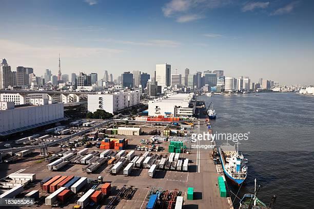 コンテナーズ、船、東京の街並み
