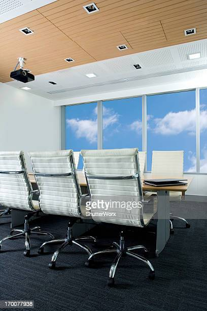 Salle de conseil moderne de bureau