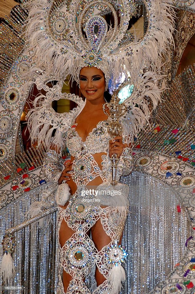 A contestant perform in the show during the gala at the Carnival in Las Palmas, Gran Canaria on on February 1, 2013 in Gran Canaria, Spain.