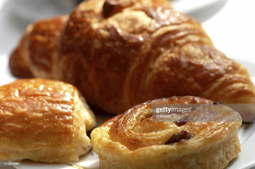 Continental Breakfast Croissant Rasin Bun Pain au Chocolat