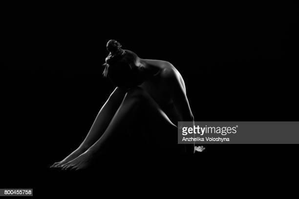 Konturen eines nackten weiblichen Körpers