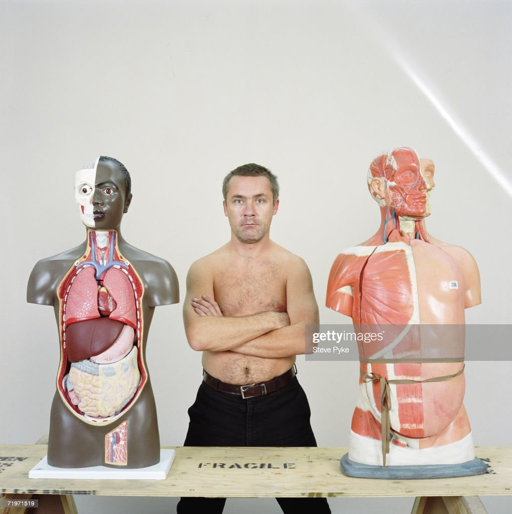 artist damien hirst A british artist interested in life and death, damien hirst has challenged modern notions of art, creating works out of medicine cabinets and animal carcasses.