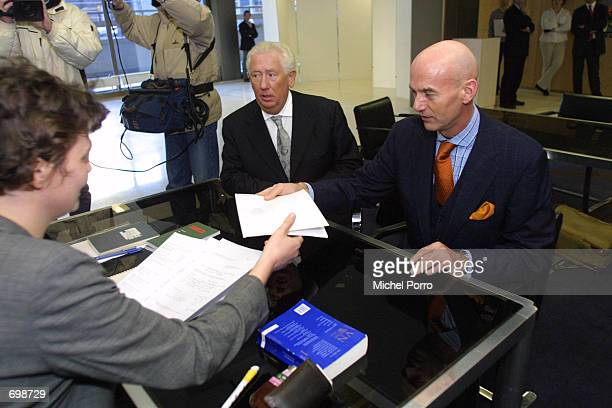 Controversial Dutch rightwing politician Pim Fortuyn registers himself as an independent candidate to participate in the May 2002 elections...