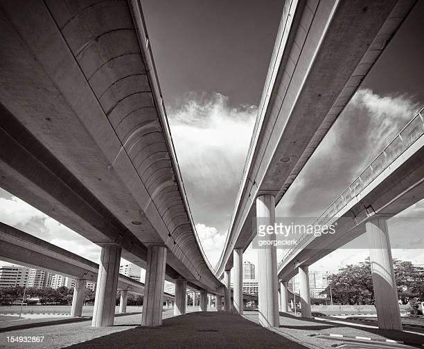 Convergenza futuro-moderne strutture di trasporto