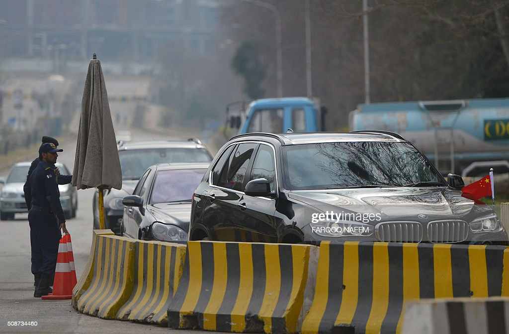 A convoy of Chinese delegation enters in the foreign office for third round of four-way peace talks in Islamabad on February 6, 2016. Pakistan said as many Taliban groups as possible must be persuaded to join any upcoming peace discussions with the Afghan government, as a third round of four-country talks aimed at reviving negotiations with the insurgent group began February 6. AFP PHOTO / Farooq NAEEM / AFP / FAROOQ NAEEM