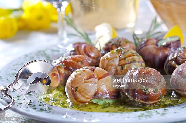 Snails con salsa de ajo