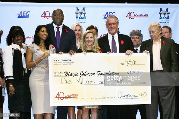 Cookie Johnson Retired basketball player Magic Johnson Chris Riley Pat Riley and Jerry Buss attend the 20th Anniversary Of The Magic Johnson...